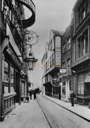 Wych Street, one of the casualties of the creation of the Aldwych in 1902 - Click for details.