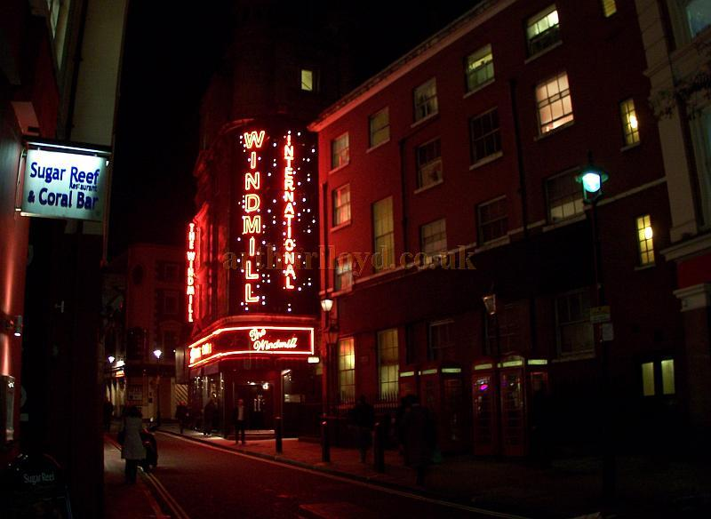 The Windmill Theatre in December 2006 - Photo M.L.