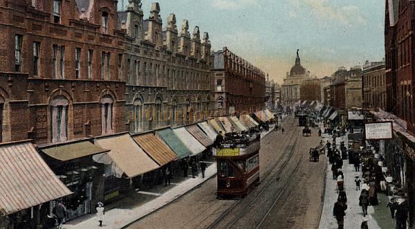 Colour Postcard of the High Road, Balham with the Duchess Theatre in the far distance - Courtesy Kevin Phelan