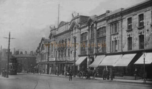 A postcard showing the Palace Hippodrome Theatre, Burnley, posted in 1919.