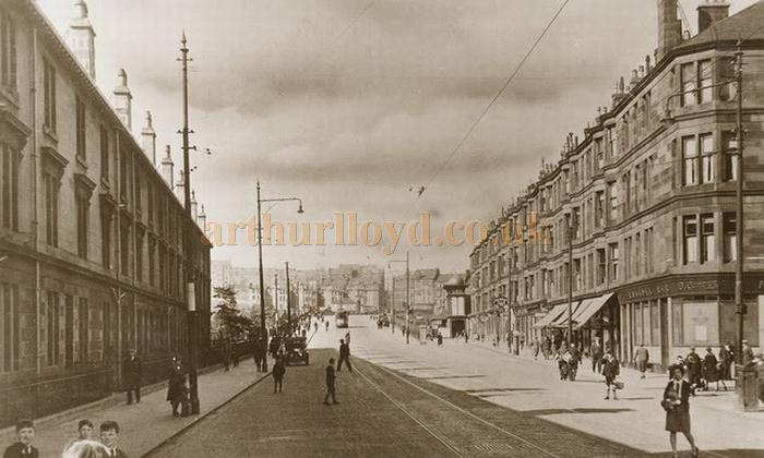 An early postcard showing Kilbowie Road, Clydebank. The Dome of the Palace Theatre can be seen far right - Courtesy Graeme Smith.