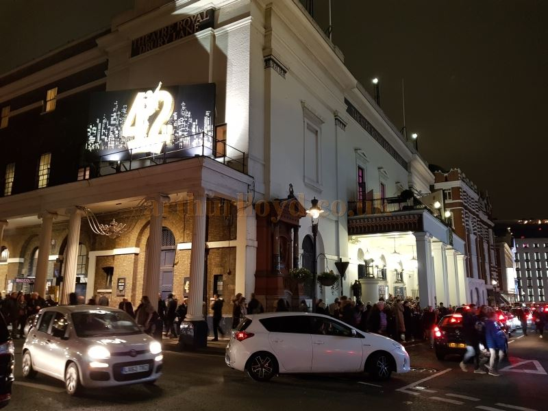 A Full House leaves the Theatre Royal, Drury Lane on the last night of 42nd Street at the Theatre on the 5th of January 2019. The Theatre will remain closed for around 20 months for major refurbishment.