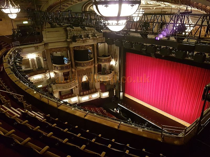 The Auditorium of the Theatre Royal, Drury Lane during the run of 42nd Street in December 2017 - Photo M.L.