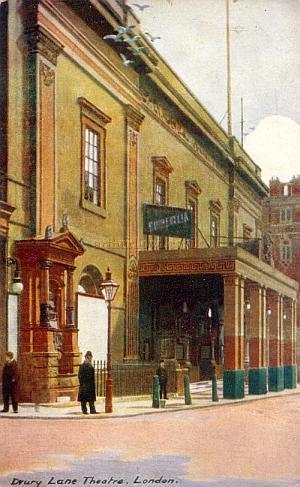 Early 20th Century Postcard of the Theatre Royal Drury Lane .