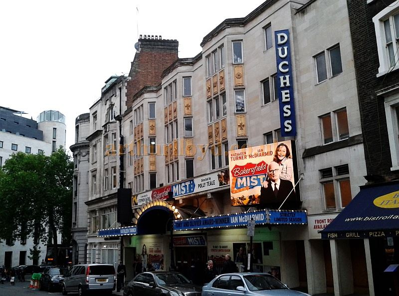The Duchess Theatre during the run of 'Bakersfield Mist' with Kathleen Turner and Ian McDiarmid in May 2014 - Photo M.L.