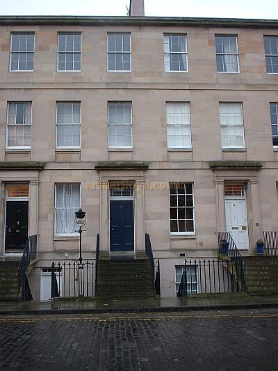 18 Fettes Row where Arthur Lloyd was living when he passed away in July 1904.
