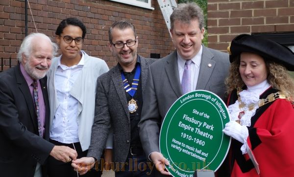 The Mayor of Islington Councillor Una O'Halloran, Chas McDevitt, Adam Borzone, and Mark Fox at the unveiling of the Islington People's Plaque for the Finsbury Park Empire at Vaudeville Court on the 10th of October 2017 - Courtesy Adam Harrison.