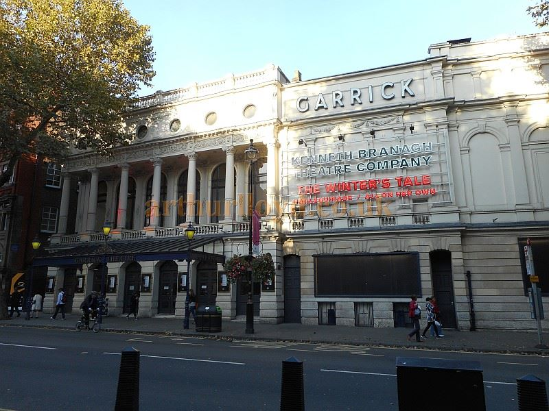 The Garrick Theatre advertising the Kenneth Branagh Company's forthcoming Production of 'The Winter's Tale' in September 2015 - Photo M. L.