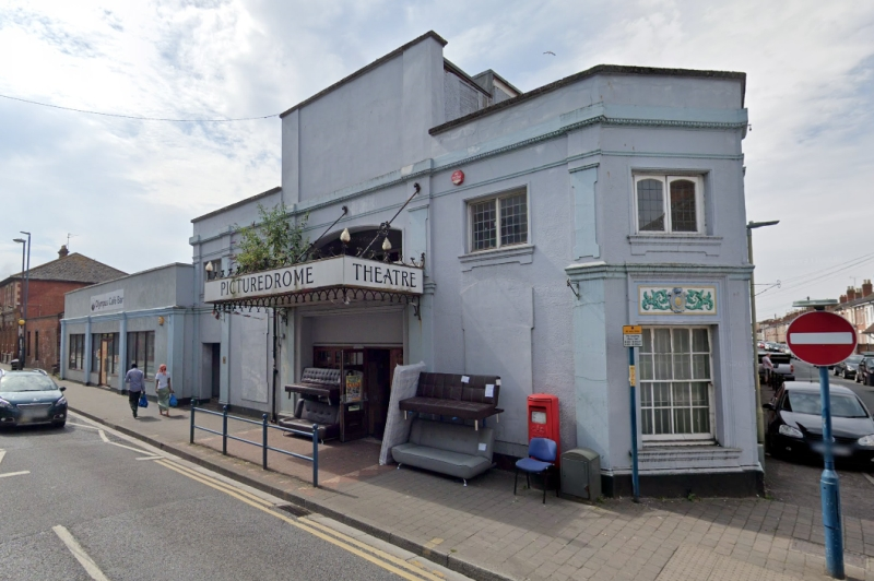 A Google Streetview Image of the Picturedrome, Gloucester in 2008 - Click to Interact.