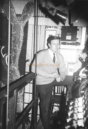 Mike Luther beside the Grand Master at the Golders Green Hippodrome in 1968 - Courtesy Mike Luther.