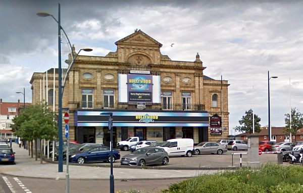 A Google StreetView Image of the former Royal Aquarium, Yarmouth, today Hollywood Nightclub - Click to Interact.
