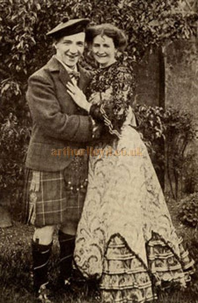 Harry Lauder and his wife Nance in their garden - Courtesy Graeme Smith.