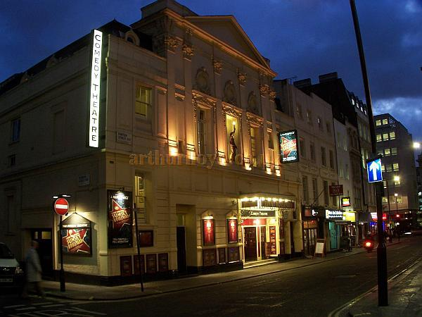 The Harold Pinter Theatre during the run of 'Sunset Boulevard' in December 2008 - Photo M.L.