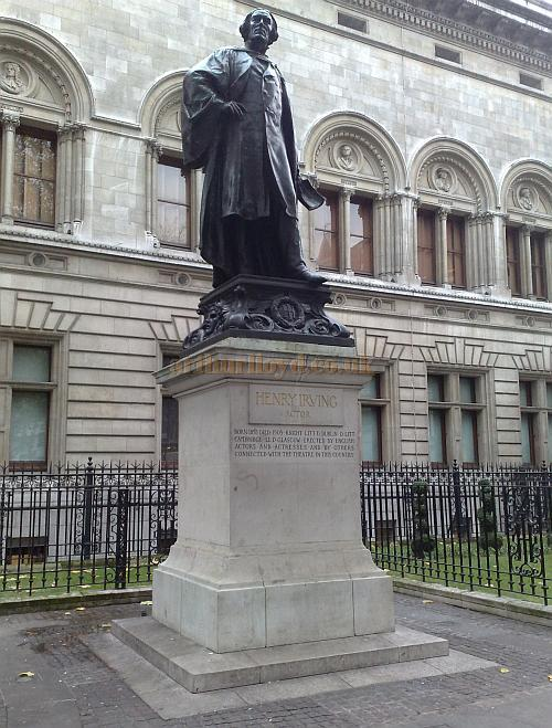 The Statue of Henry Irving at the rear of the National Portrait Gallery on Irving Street, just off Charing Cross Road, London - Photo M.L. November 2009