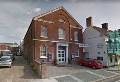 A Google Streetview image of the Apollo Theatre, Newport, Isle of Wight - Click to Interact