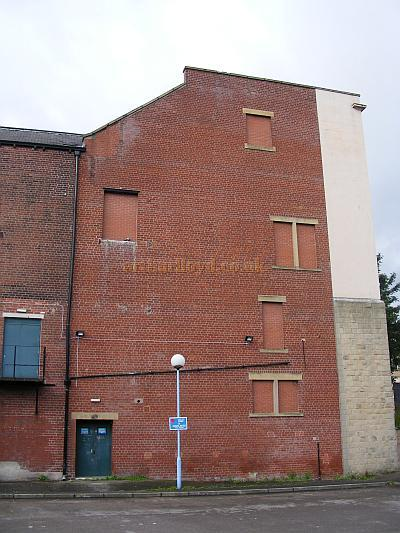 The side elevation of the Nelson Palace Theatre in a photograph taken in August 2009 showing the 1983 'sawn off' facde - Courtesy Neil Foster.