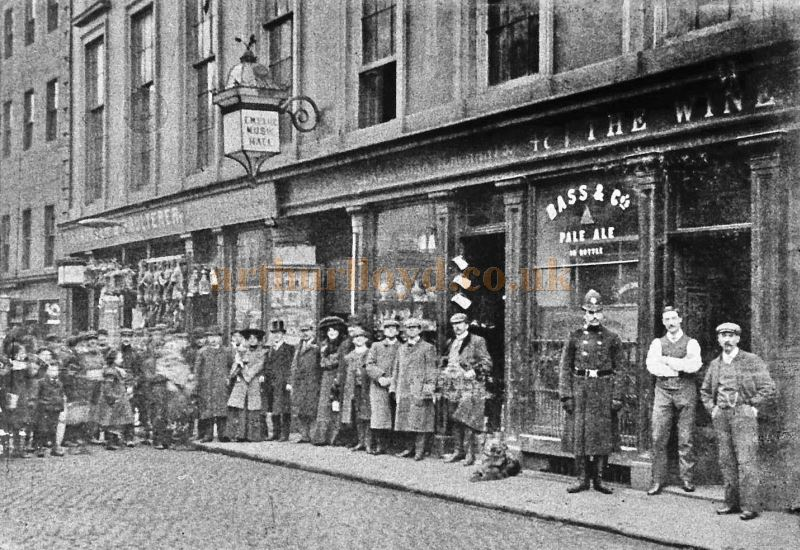 A Photograph of the Empire Music Hall and staff in Moss Street, Paisley about 1902 showing the manager Delno Fritz in top hat - Courtesy Graeme Smith.