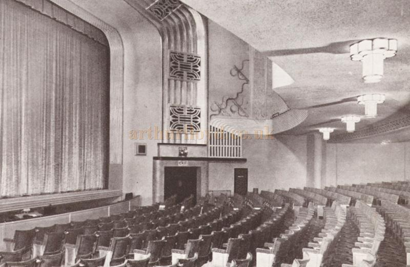 "The auditorium of the Embassy Theatre, Peterborough, also showing the Theatre's ""Casino"" Console, E/F type Organ by J. R. Lafleur & Son. Ltd - From a Hammond 'La Fleur' organs brochure - Courtesy Gordon Crook."
