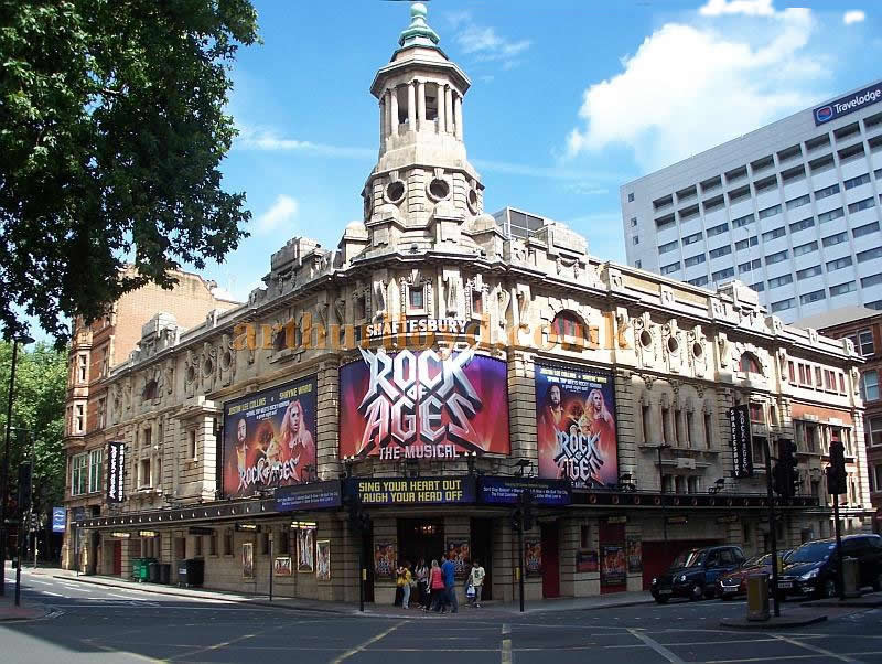 The Shaftesbury Theatre during production work on the musical 'Rock of Ages' in August 2011 - Photo M.L.