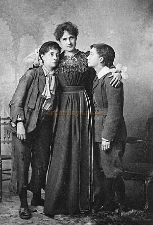 Photograph from 'Two Little Vagabonds' at the Princess's Theatre in 1897.