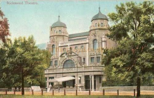 A postcard depicting the Richmond Theatre in 1904.