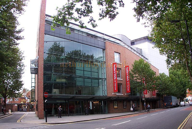 The Sadler's Wells Theatre in September 2009 - Photo M.L.