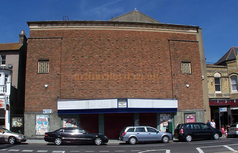 The New Empire Theatre, Southend-on-Sea in August 2009 - Photo M.L.