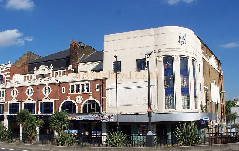 The former Borough Theatre, Stratford East in August 2009 - Photo M.L.