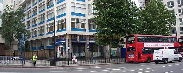 The site of the Trocadero, New Kent Road, in July 2008 - Photo M.L.