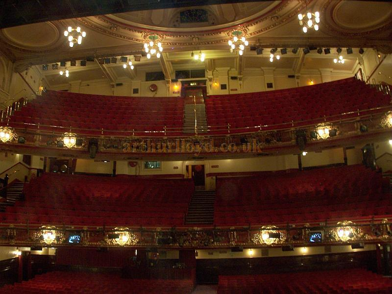 The Auditorium of Frank Matcham's Victoria Palace Theatre in August 2008 - Photo M.L.
