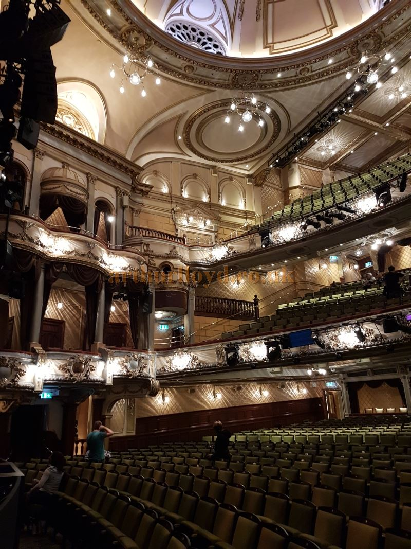 The Victoria Palace Theatre after its 2016 / 2017 Refurbishment - Photo M.L.