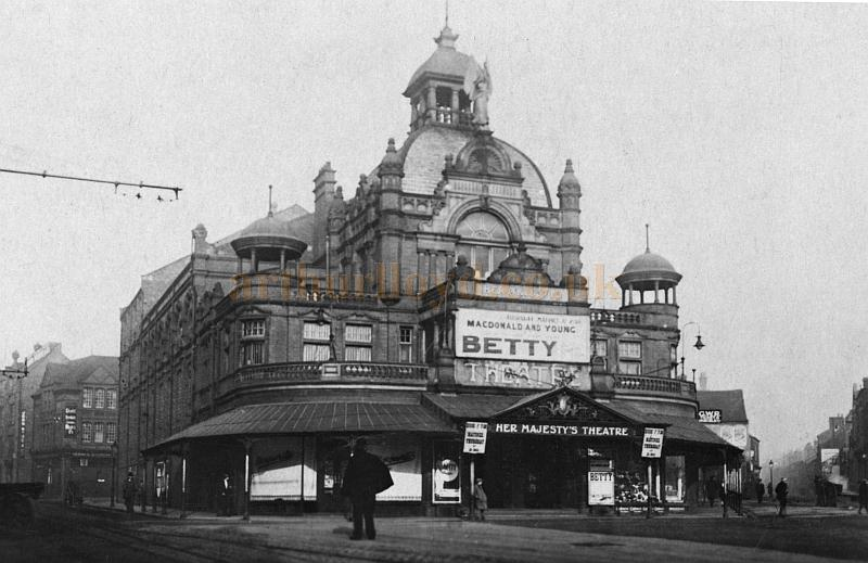Her Majesty's Theatre, Walsall during the run of 'Betty' with Macdonald and Young in 1920 - Courtesy John Griffiths