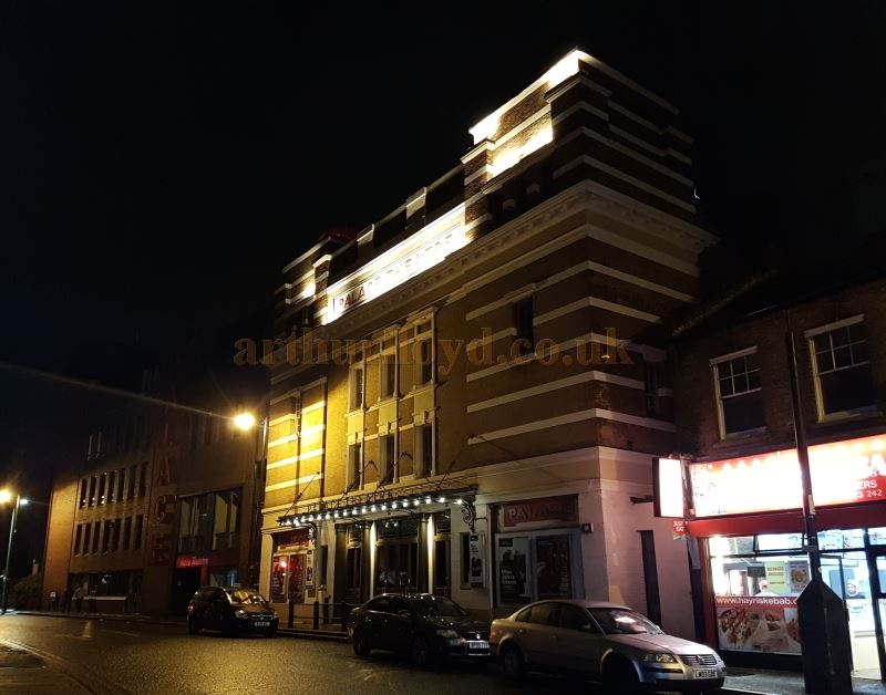 The Watford Palace Theatre in October 2017 - Photo M. L.