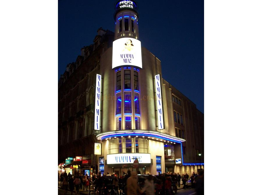 The Prince of Wales Theatre showing 'Mamma Mia' in 2006.